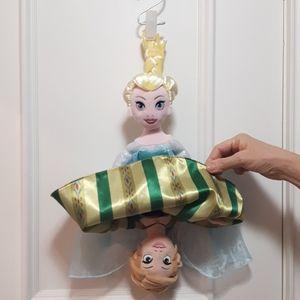 Anna / Elsa reversible doll